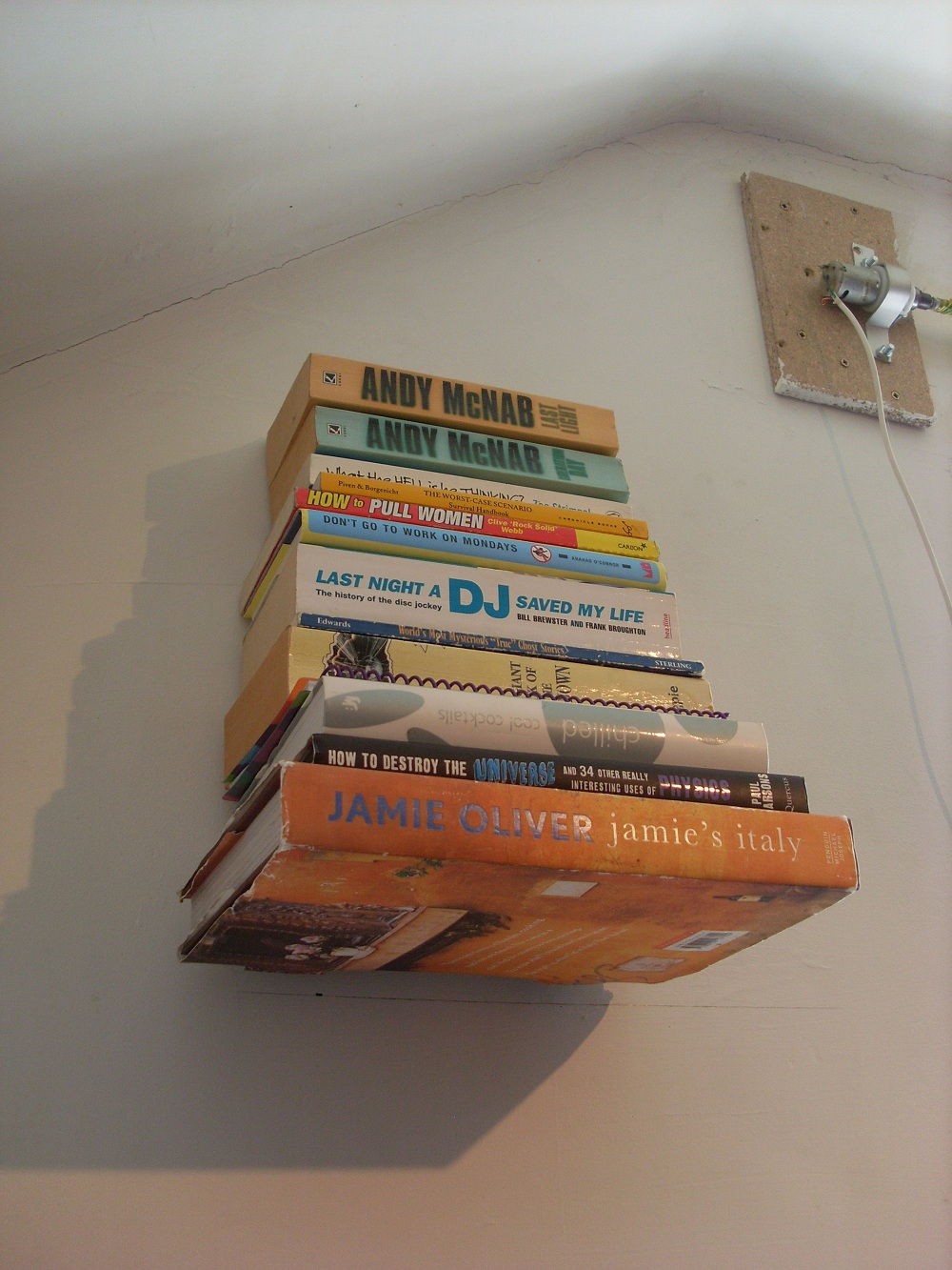 Invisible 'floating' bookshelf