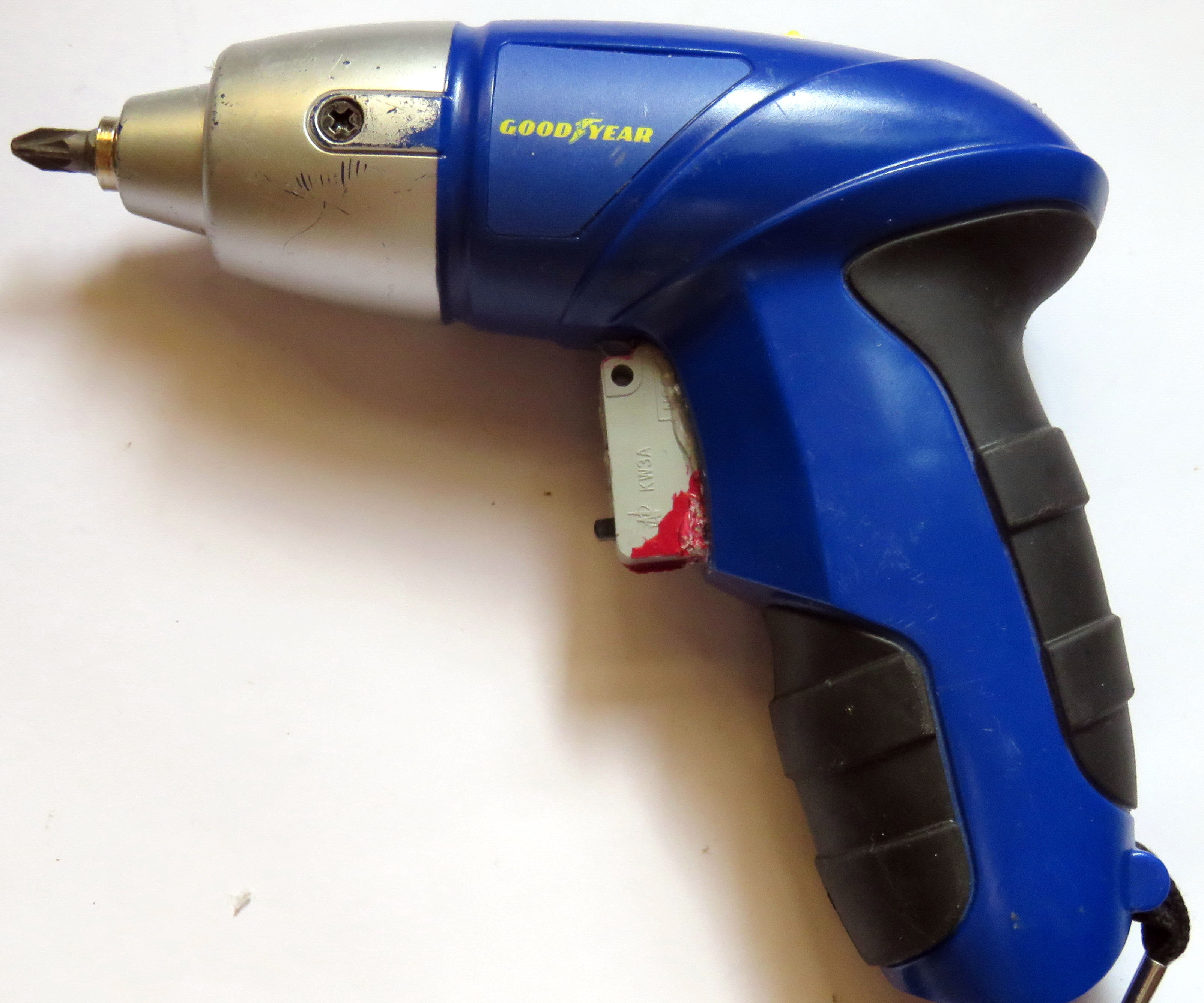 Develop a Cheap Cordless Screw Driver to Operate As Expensive Drill