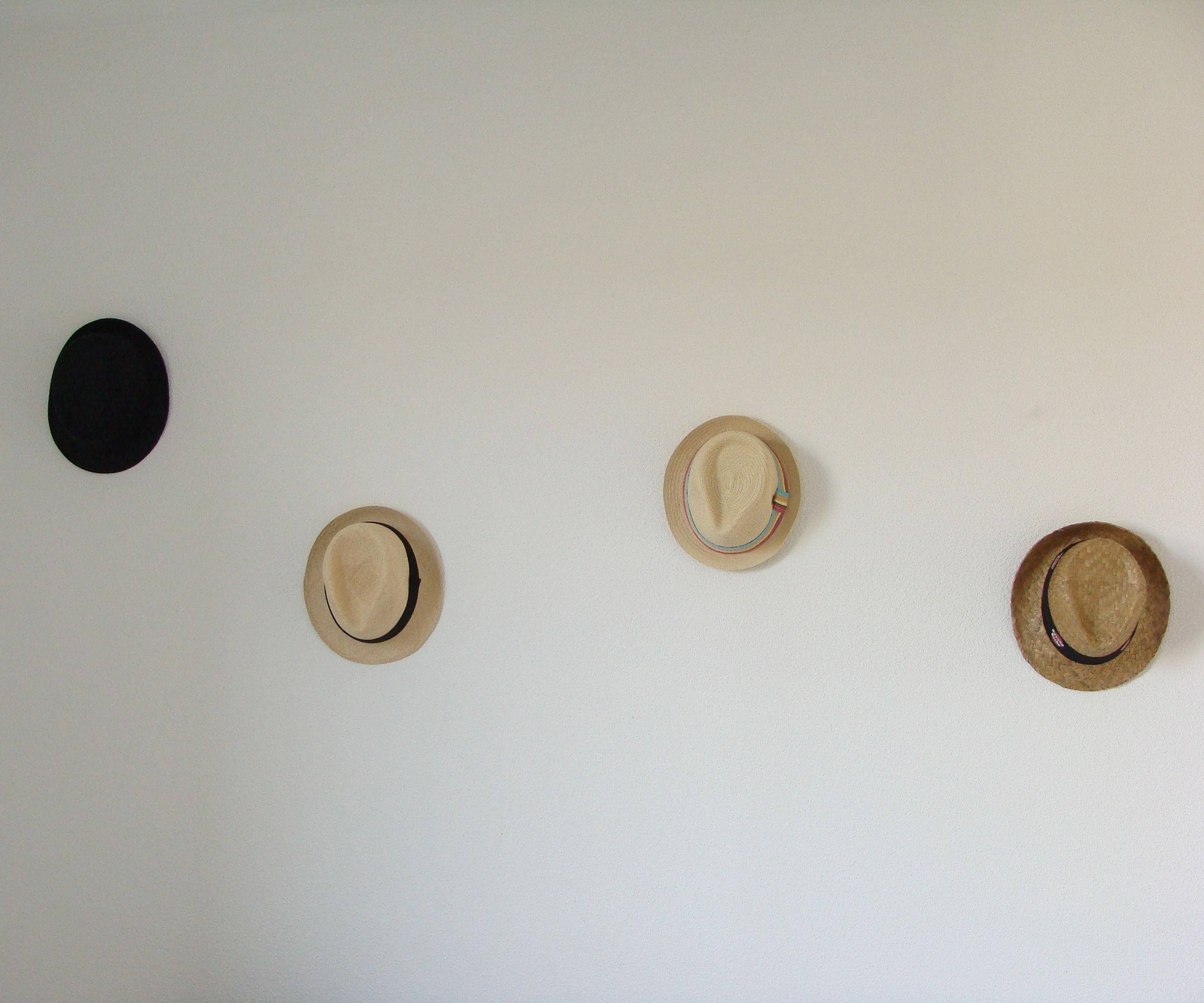 Hat rack wall mounted