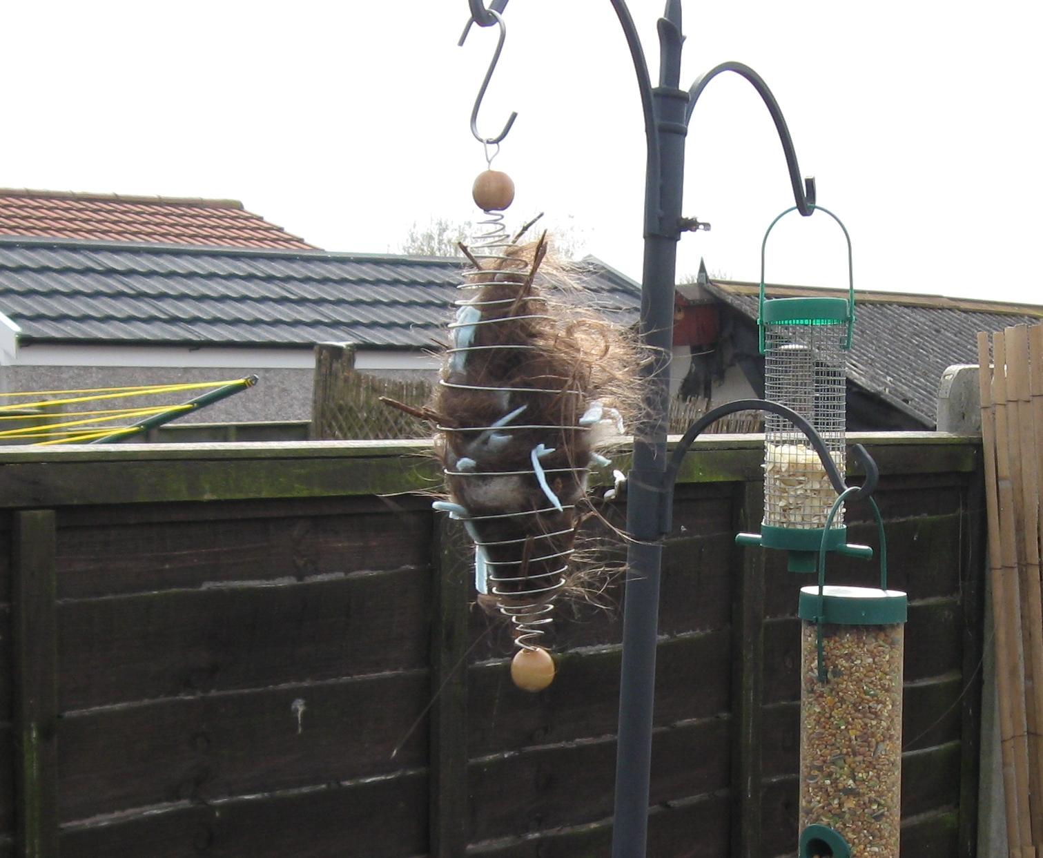 Make a Nesting Material Dispenser