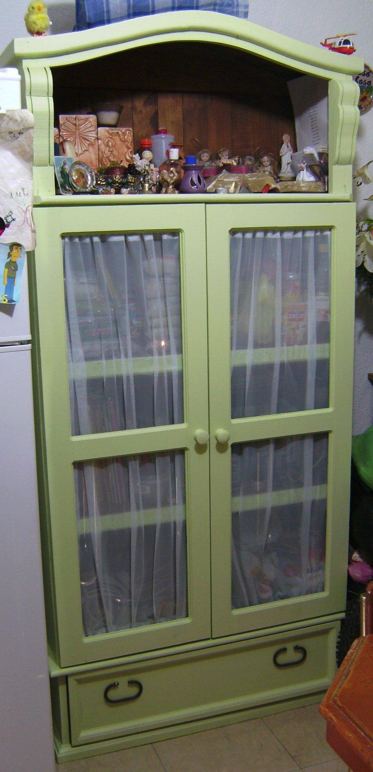 How to transform a bookcase to a cupboard / como transformar un librero en un armario