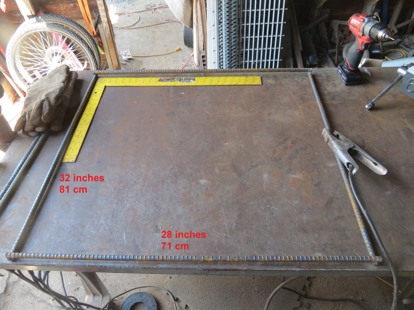 Cut Rebar and Weld Into a Rectangle With Short Bars on Top