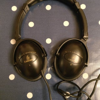 Hack an Airline Noise Cancellation Headphones for Use With PC
