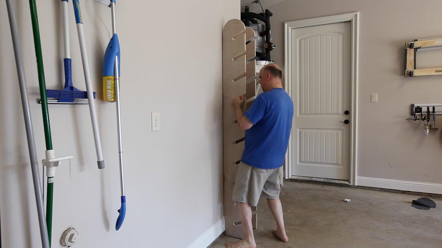 Using the Skateboard Display Rack