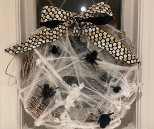 How to Make a Spooky Halloween Wreath in 10 Easy Steps