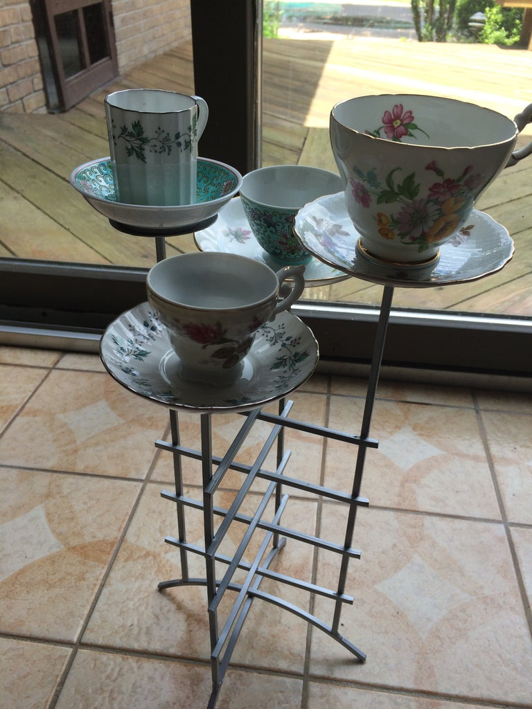 Decide on Tea Cup and Saucer Placement