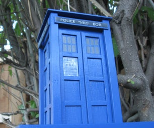TARDIS Bird Feeder