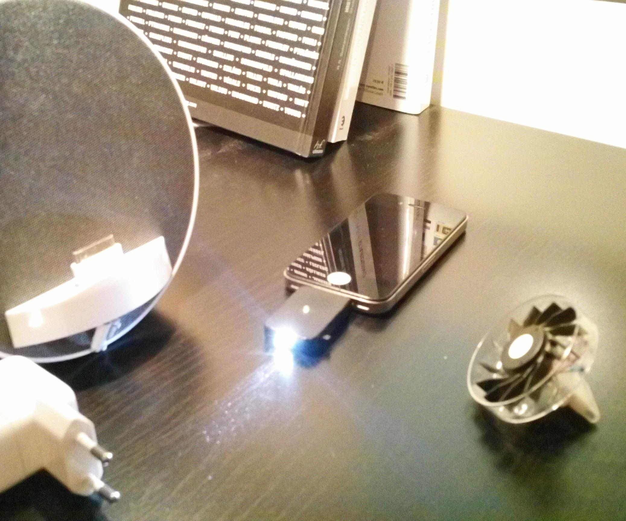 iPhone gadgets (lamp, fan, docking station, etc...)