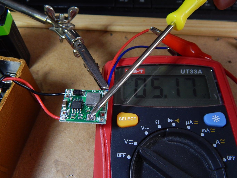 Adjusting DCDC Converter Output Voltage