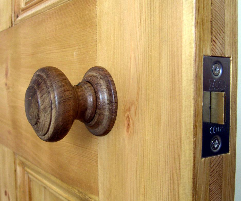 Make Traditional Door Knobs