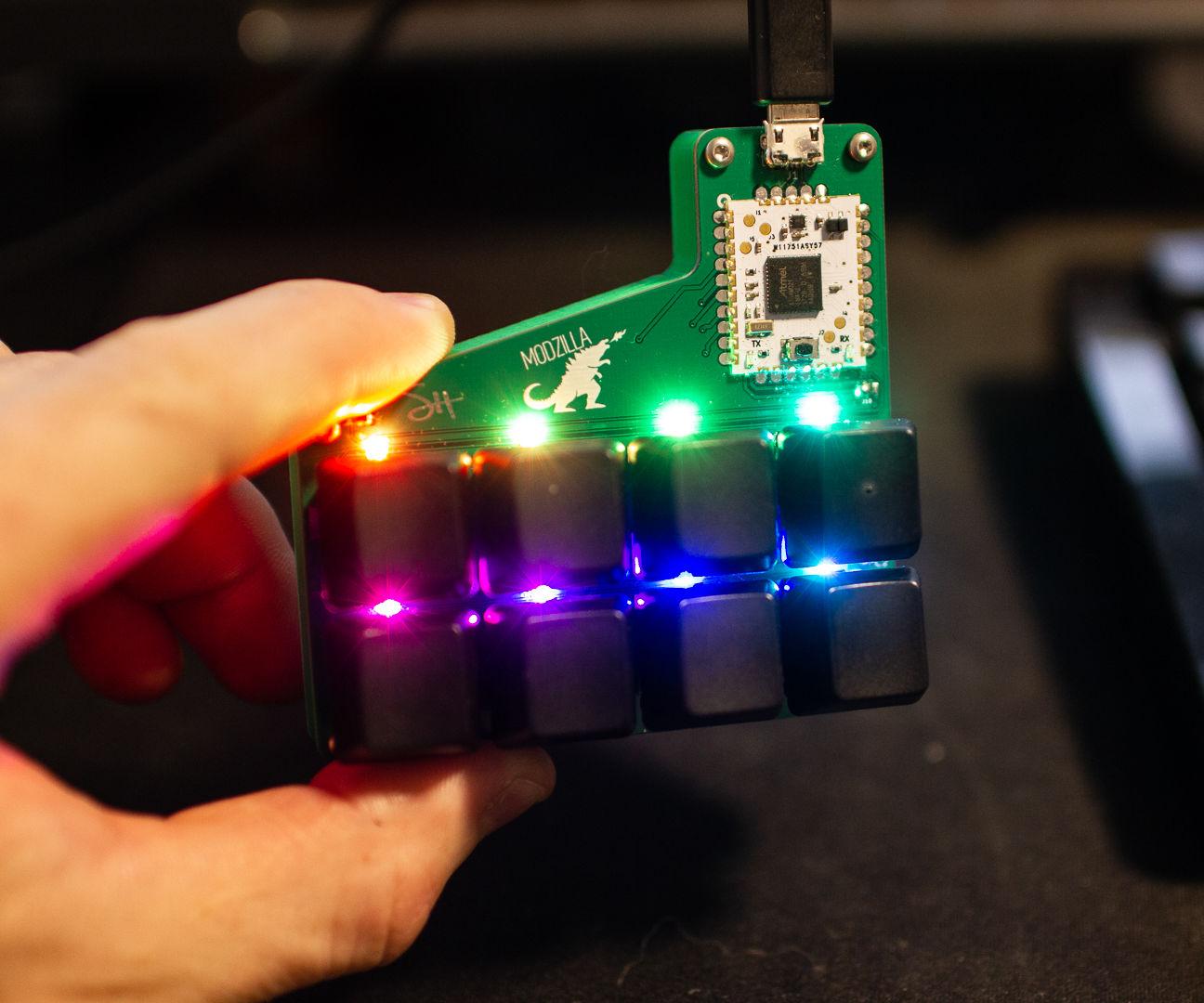 DIY RGB Cherry MX Macro Board