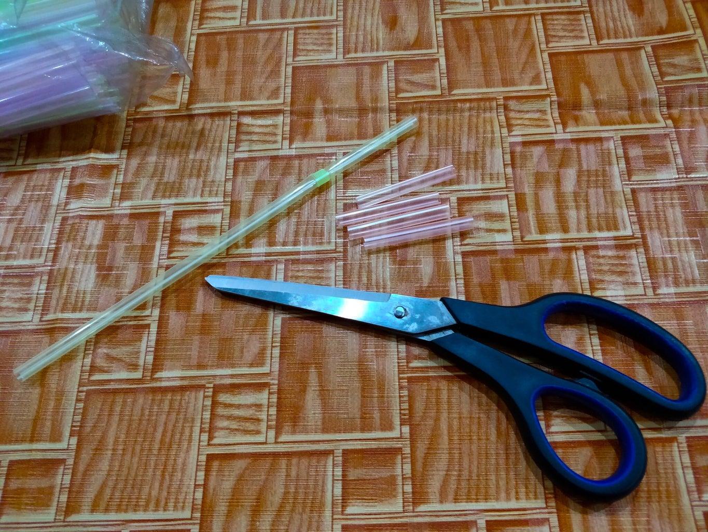 Cutting Straws!