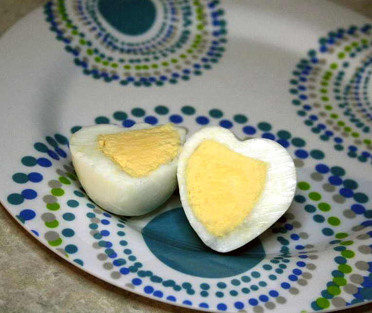 I 'Heart' Eggs! How To Make Heart Shaped Boiled Eggs