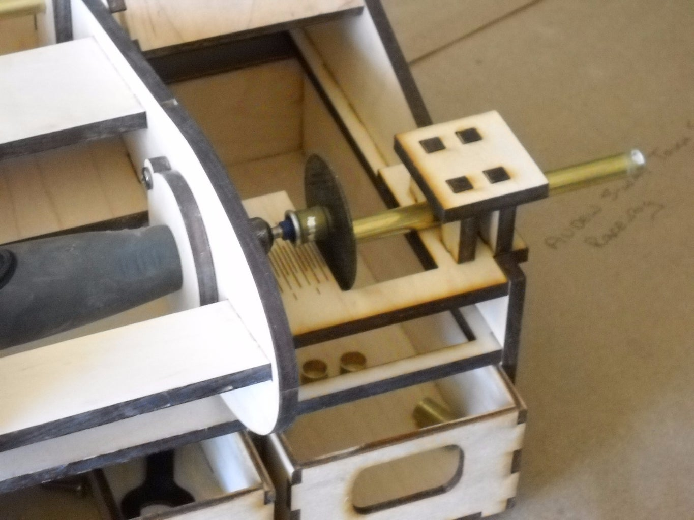 Assemble the Cutting Table
