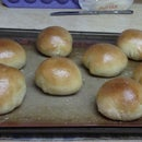 Texas Roadhouse Rolls with Cinnamon Butter