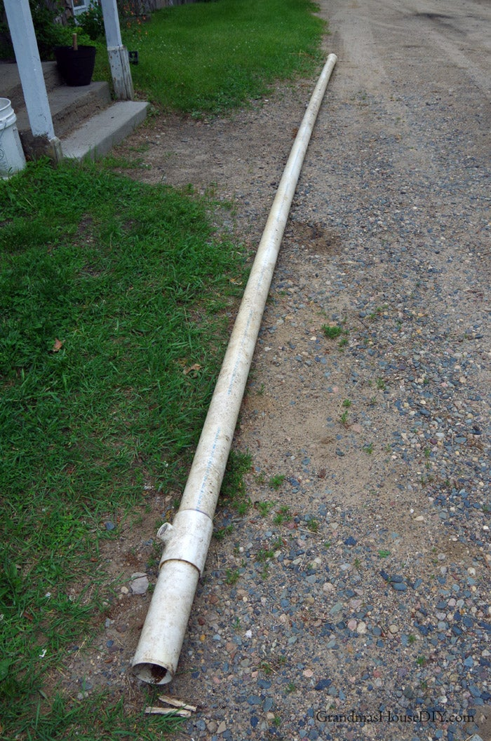 Rain Gutters Out of 3″ PVC Pipe, DIY How To!