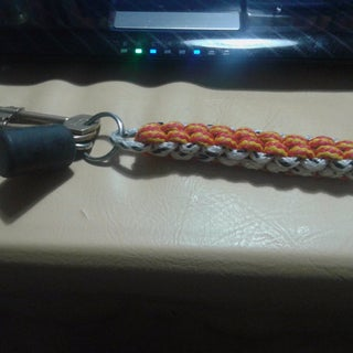 How to Make a Box Knot Keychain Out of Paracord