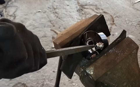 Prepare the Spindle Cap for the New Connector