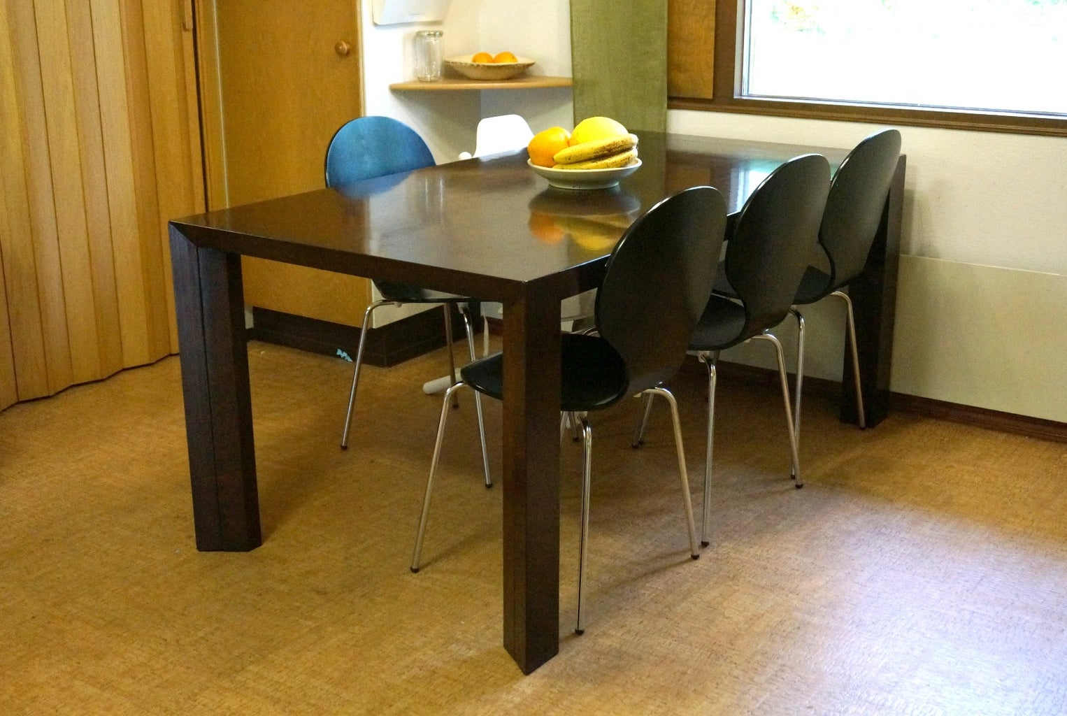 Extendable Dining Table With Extra Leg Room