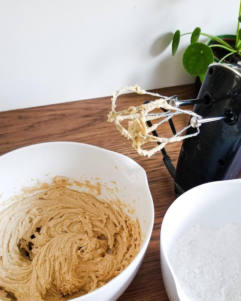 Cookies -  Combine Wet and Dry Ingredients