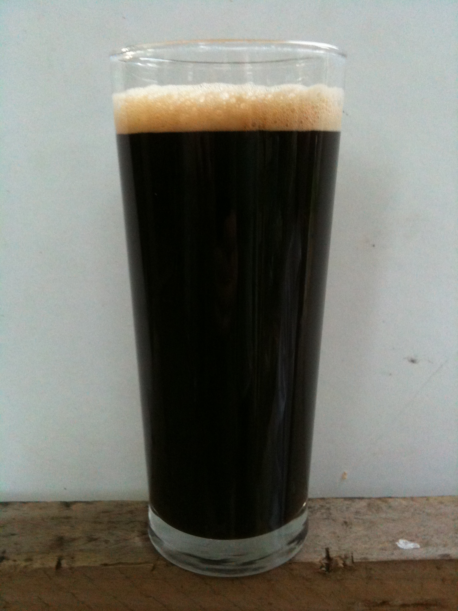 How to make dark English ale