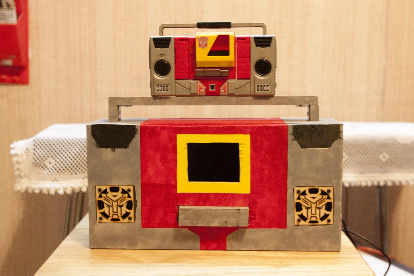 Raspberry PI Autobot Transformer (Non-Transformable)