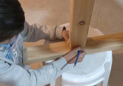 Woodworking - Crane's Tower Base - Hole for Tower Rod