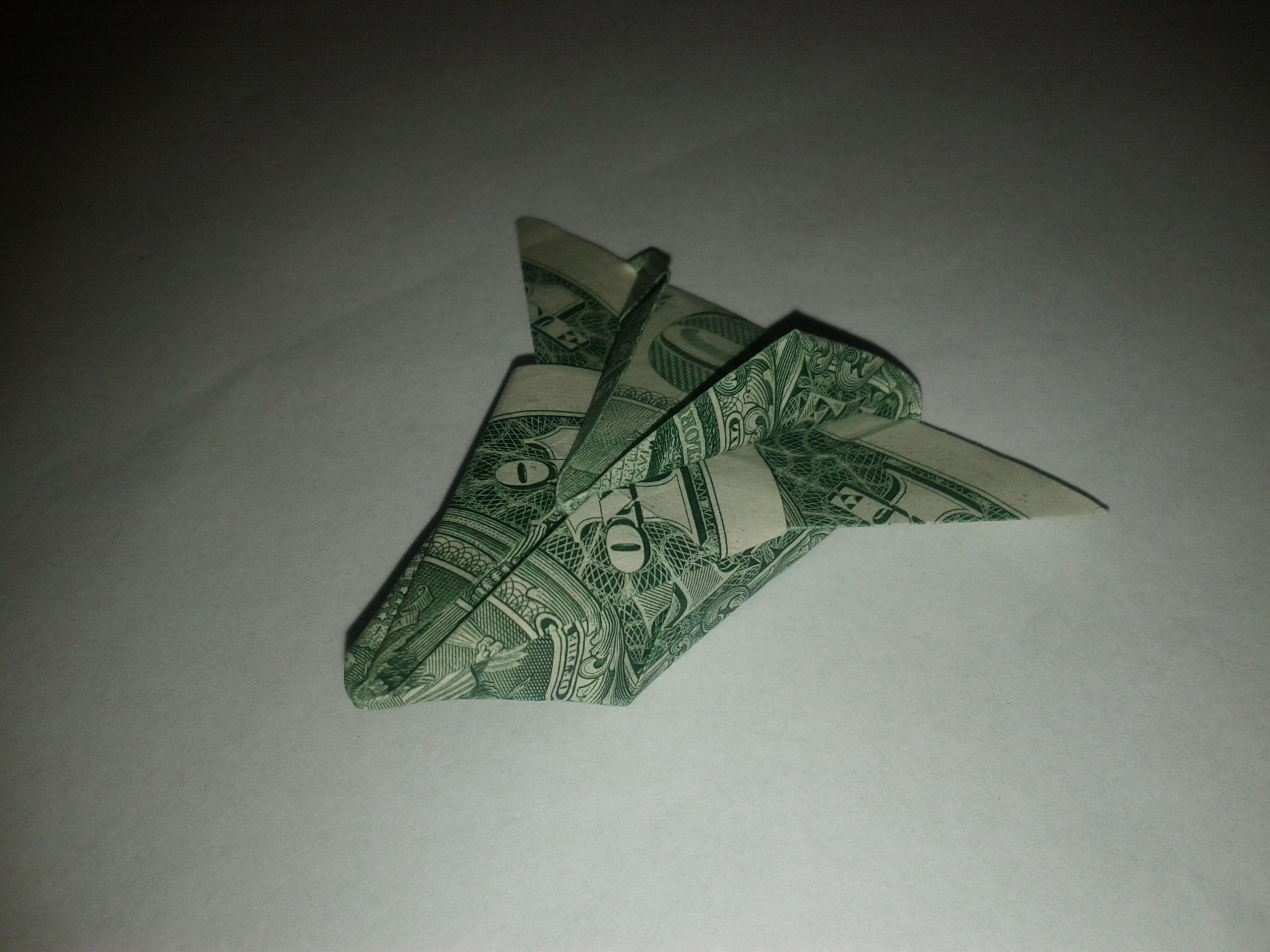 Dollar airplane oragami