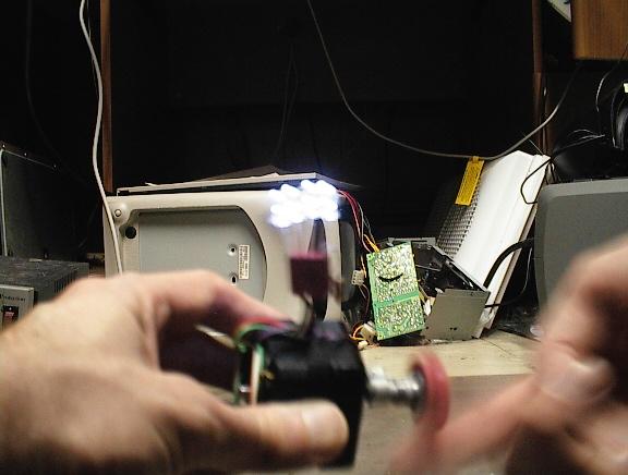 Nice Easy Magnetic Generator Light