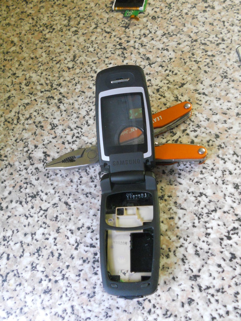 Clear the Phone From the Old Parts