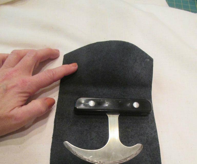 Handicap Knife Holder