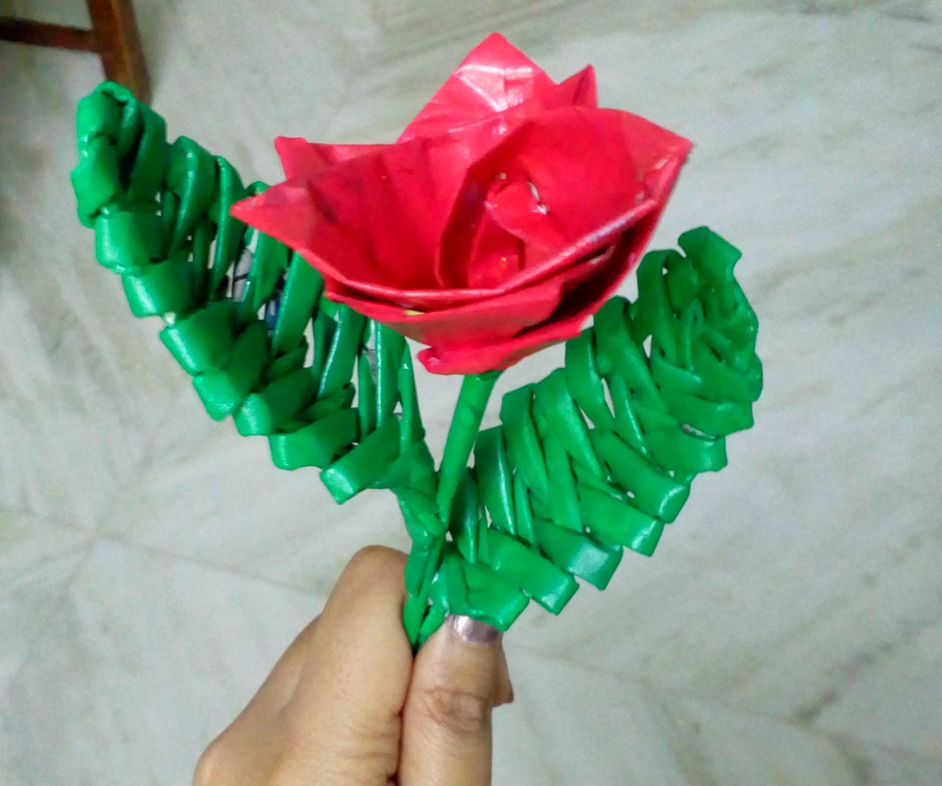 Newspaper Tubes Weaving Leaf | How to Weave a Leaf Using Newspaper Tube | DIY CraftsLane