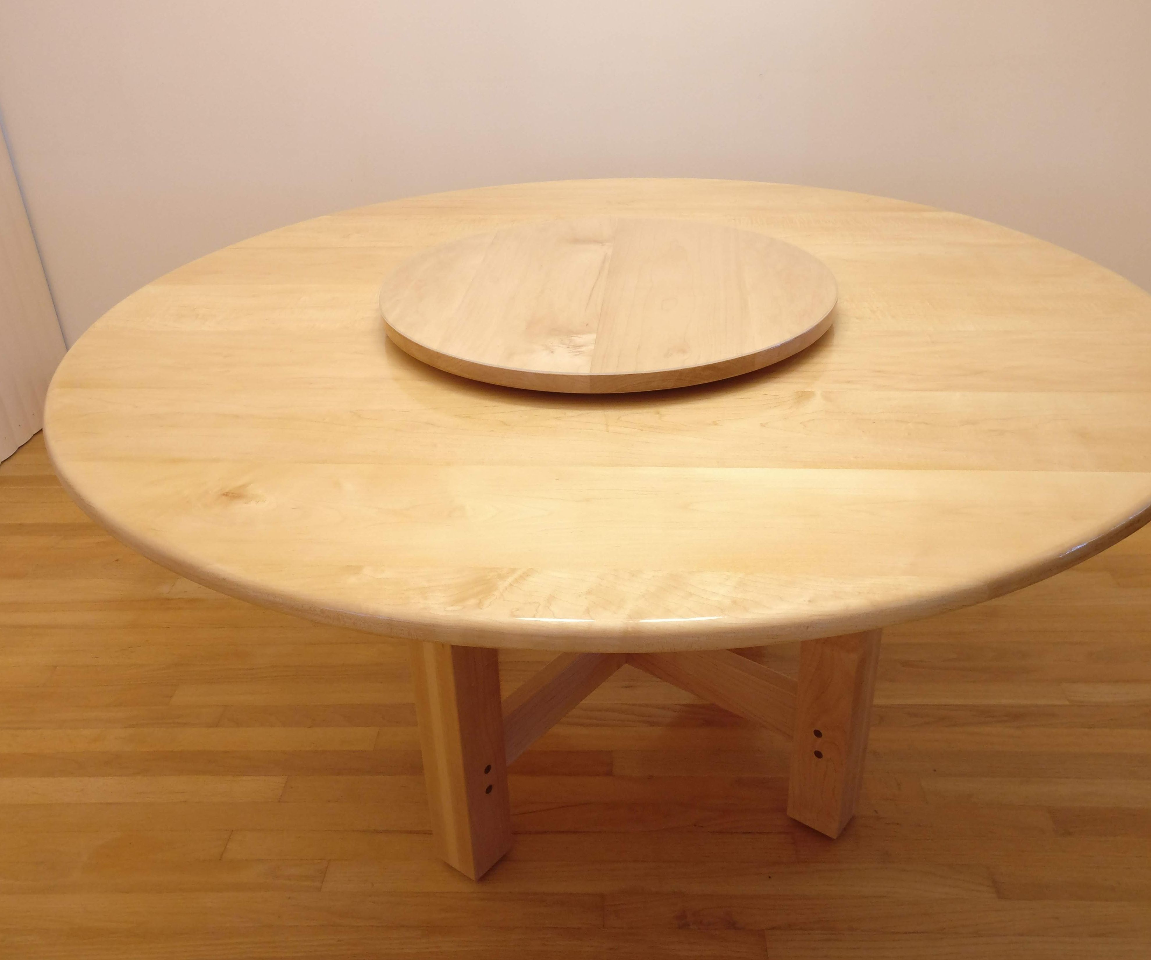 Make a Large Round Dining Table With Turntable