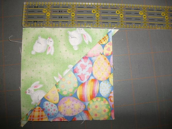 Quilting Basics : Half Square Triangles (HSTs)