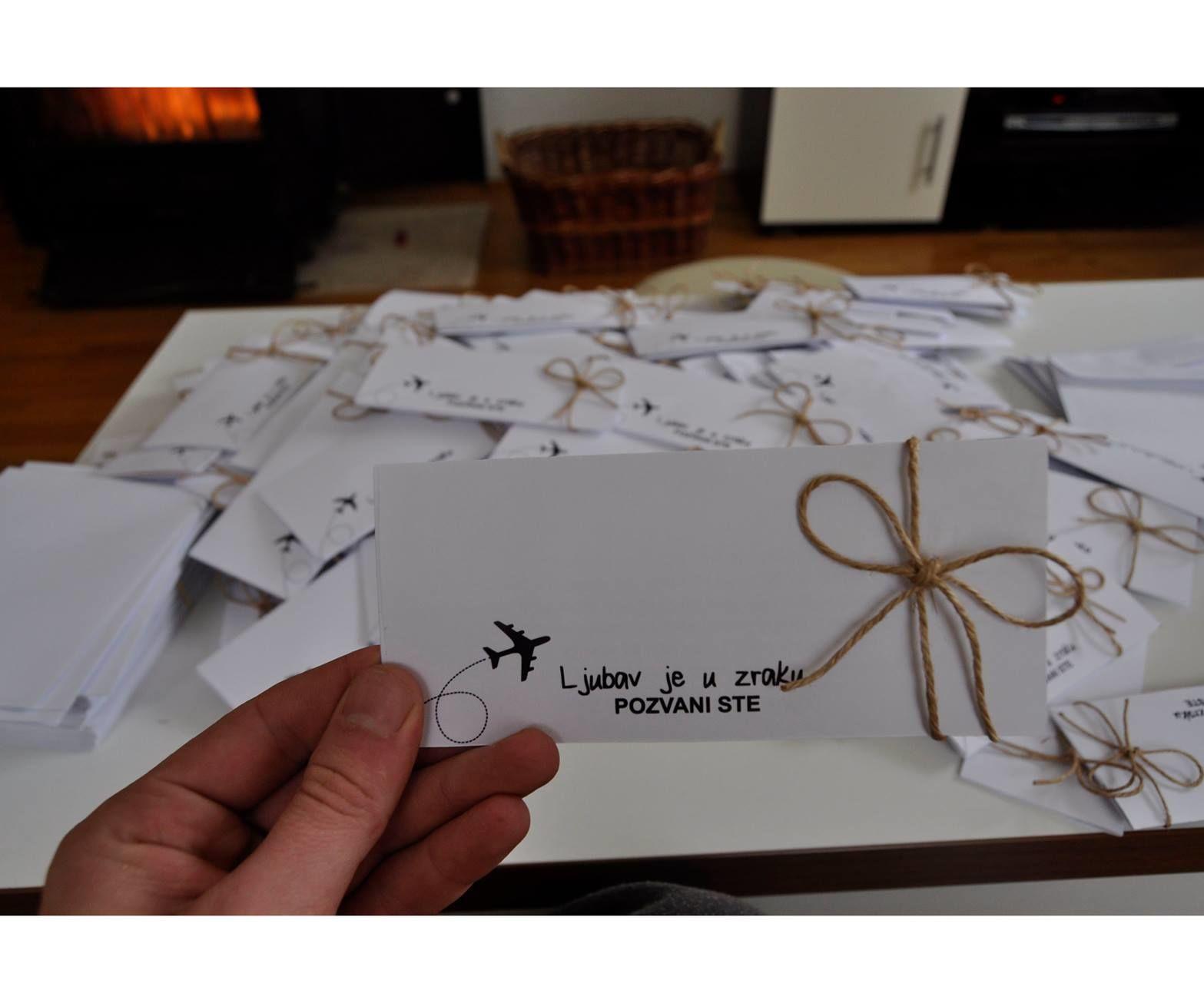 DIY: Airplane Wedding Invitations