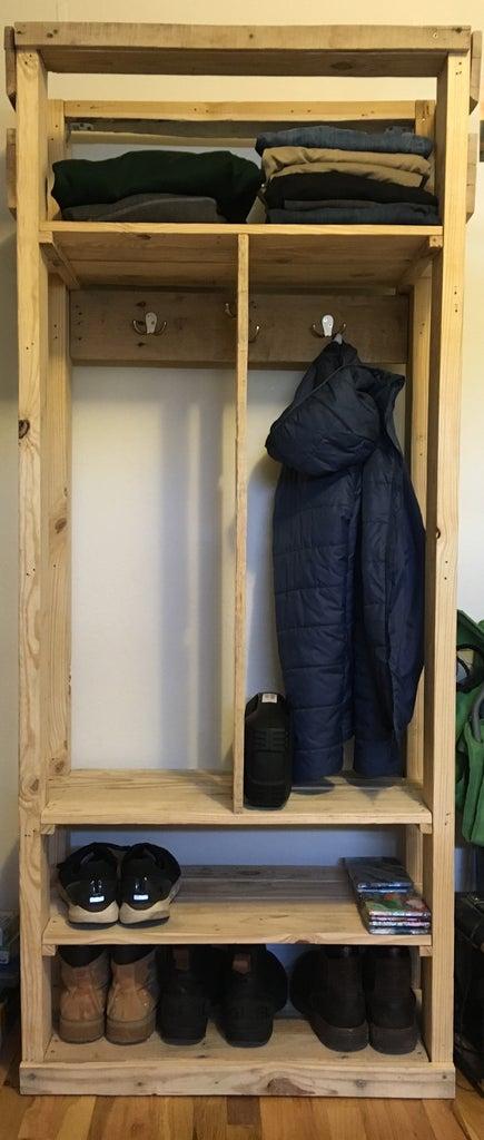 Reclaimed Pallet Bedroom Shelving