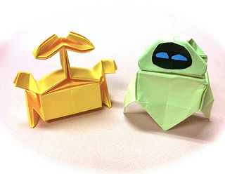 How to an Origami Wall - E from Disney Pixar (By Riki Saito)!