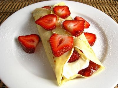 How to Make Strawberry-Filled Crepes
