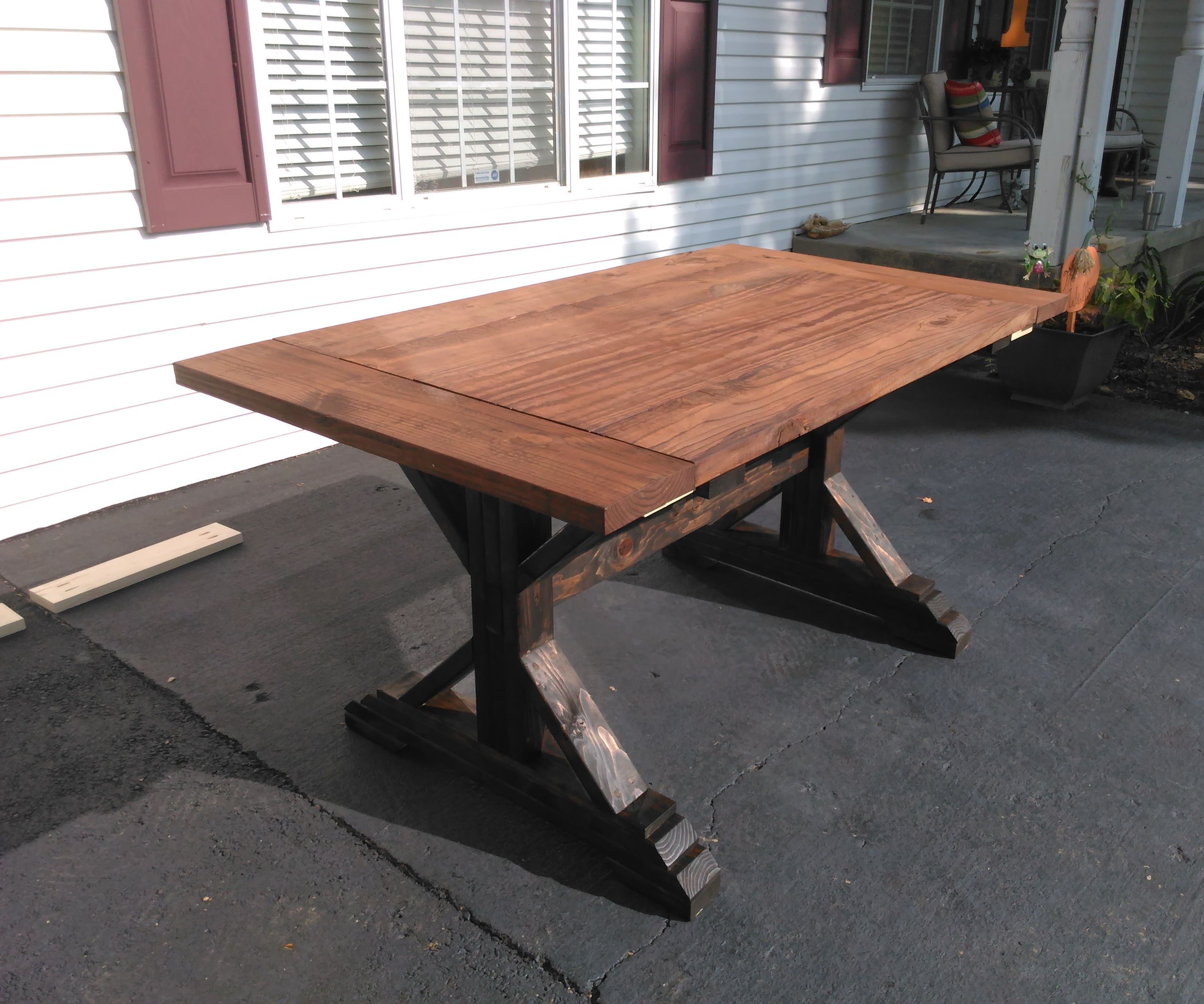Rustic Farmhouse Table DIY