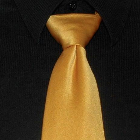 How to Tie a Tie: Full Windsor