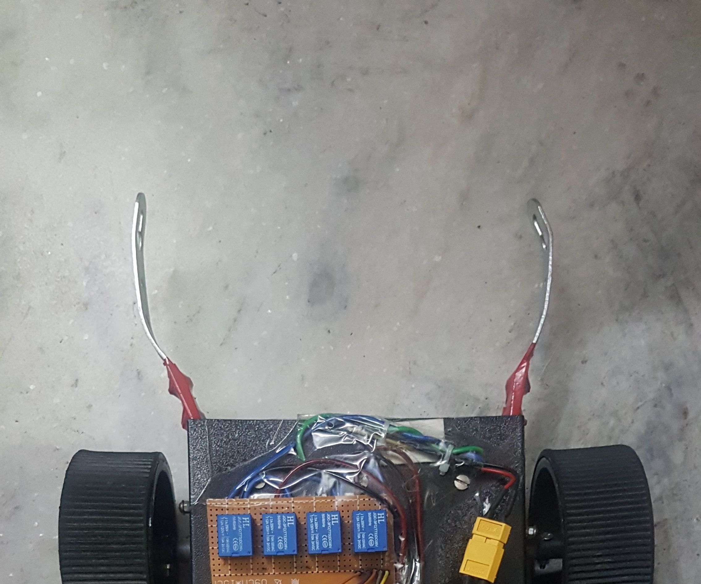 Wireless Arduino Robot Controlled by PC