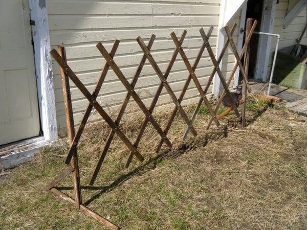 Expandable/Collapsible Garden Trellis