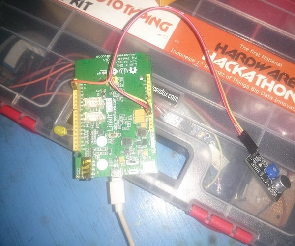Linkit One: Blowing an LED