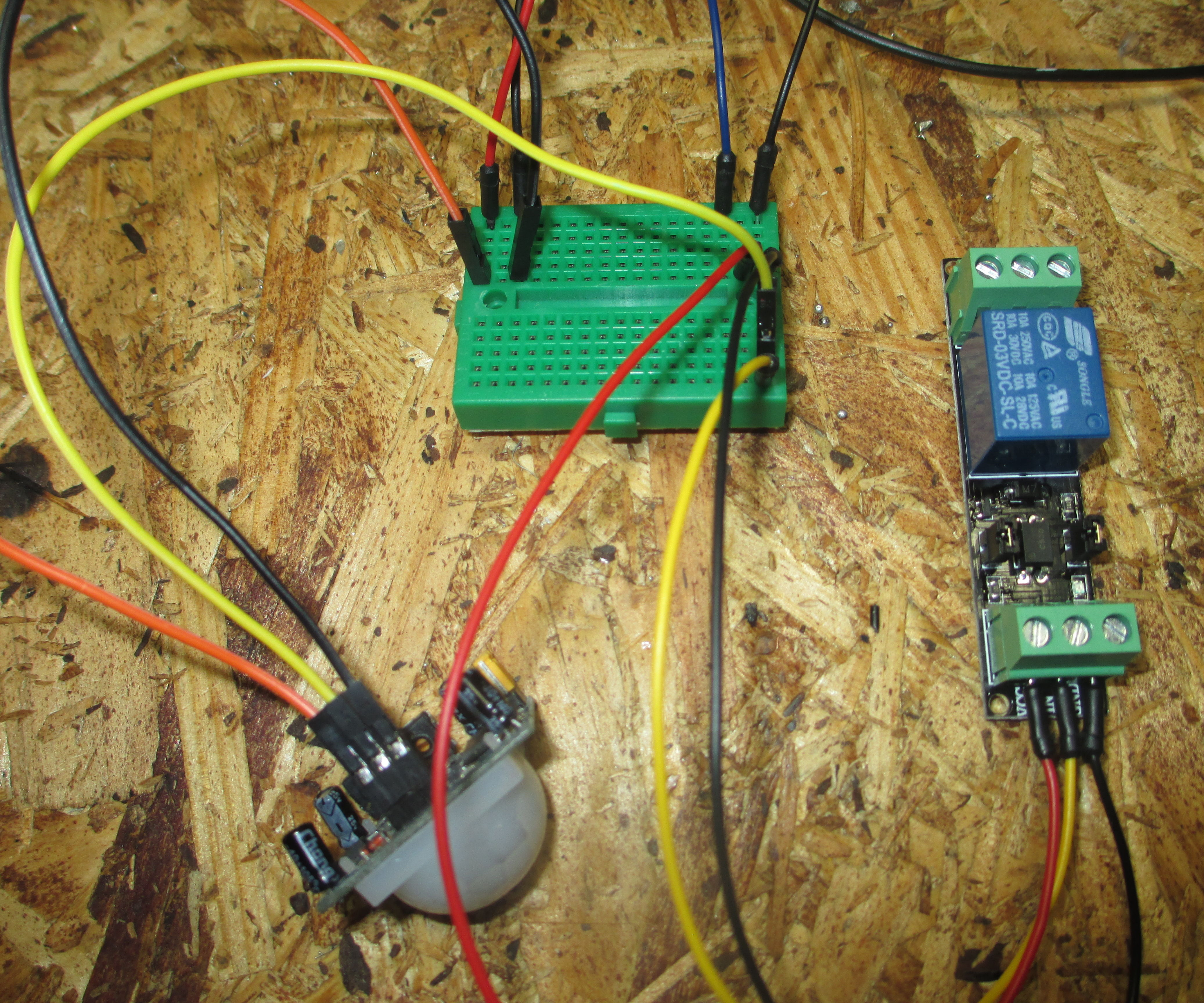 3v PIR Motion Sensor Driving  a (Defective) 3v Relay Module