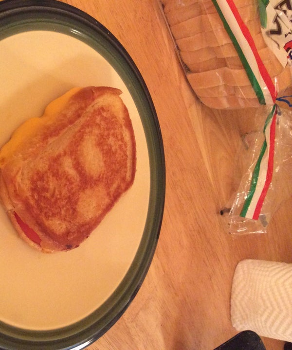 How to Make a Grilled Cheese and Tomato Sandwich