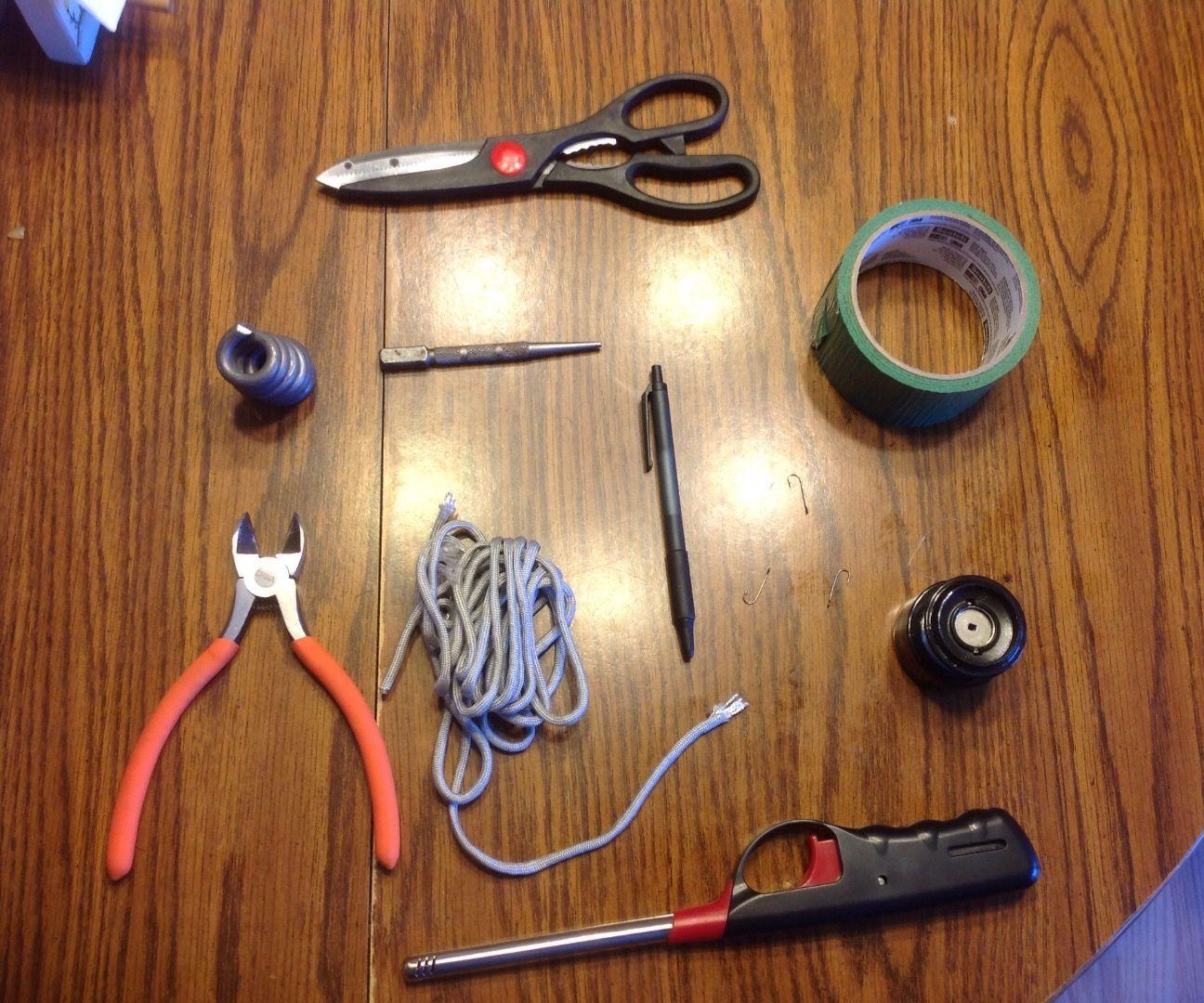 Duct tape survival/paracord