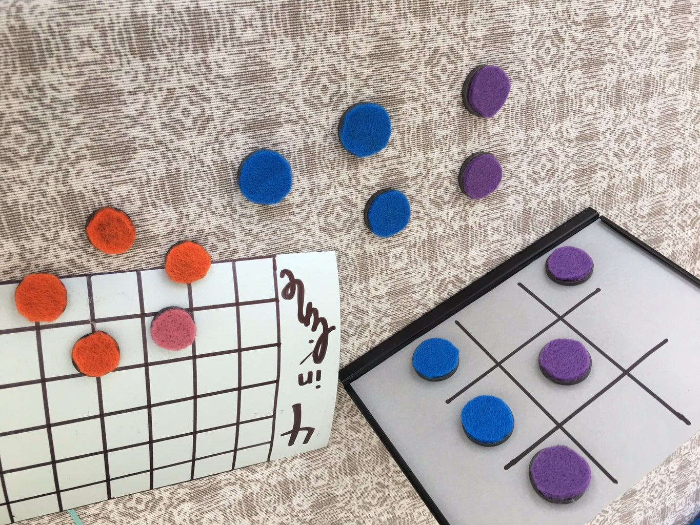 DIY: Magnetic Playboard From a Frame
