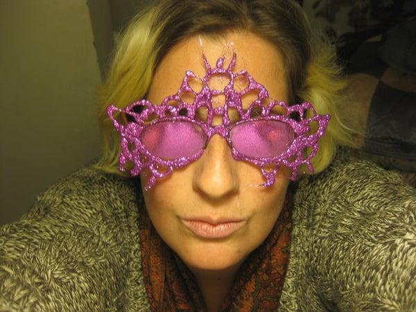 Glitter Mask for the Bespectacled!
