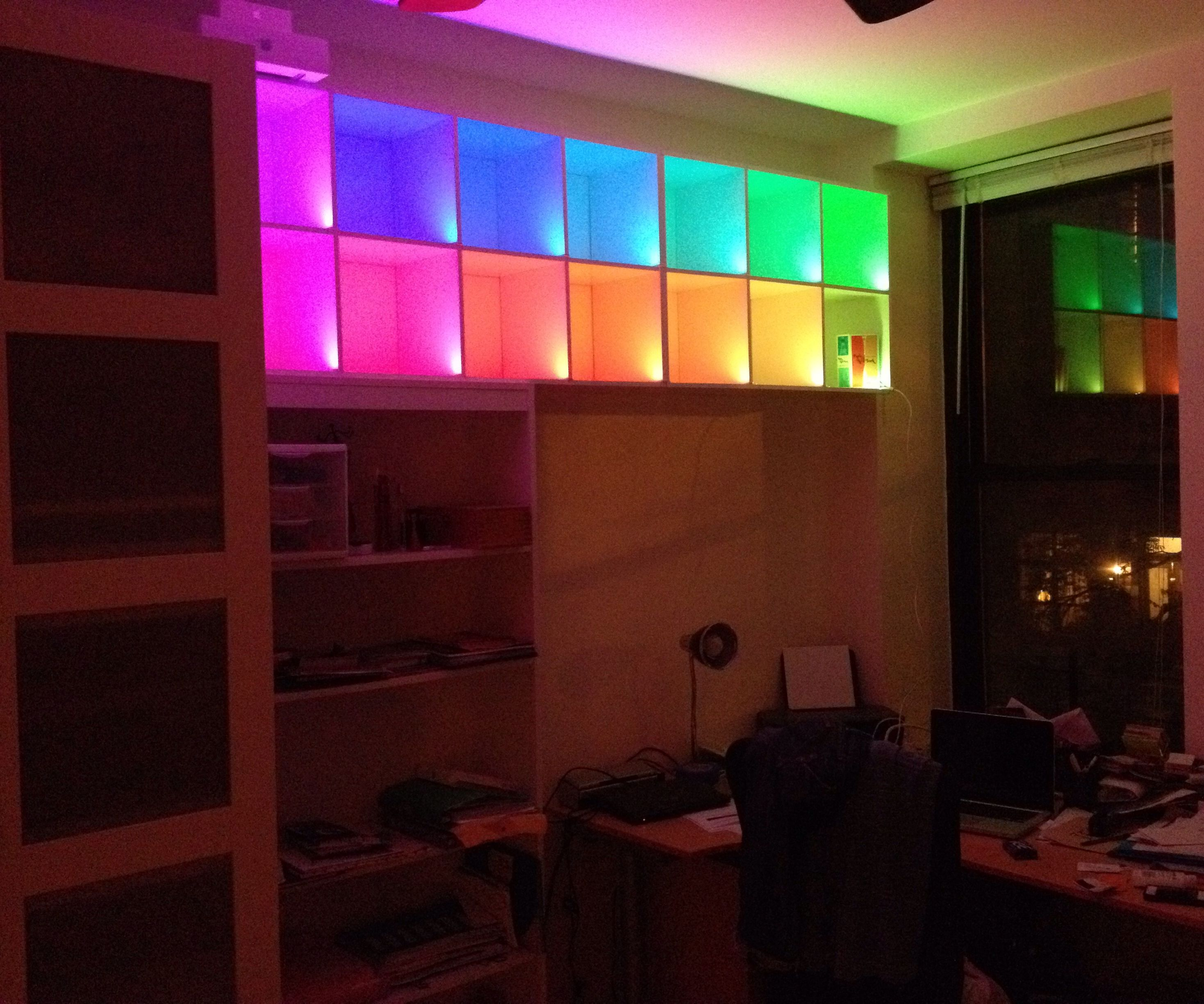 Color changing box shelves with LED-strips and Arduino