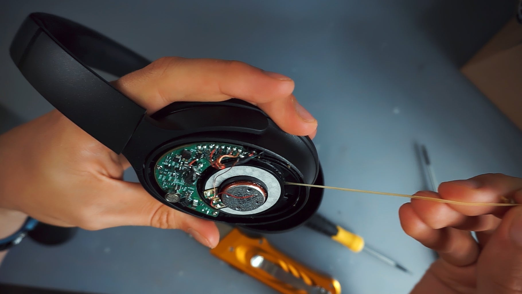 Removing the Faulty Speaker